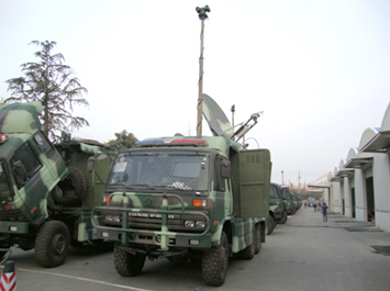 Free-standing electric mast(load is 50kg, install on the vehicle)